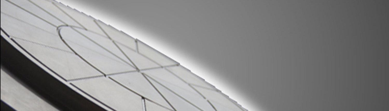 Spiegelscheibe aus hochlegiertem Edelstahl